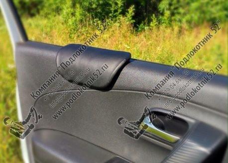 купить накладка мягкая на стекло (подходит для всех марок авто)