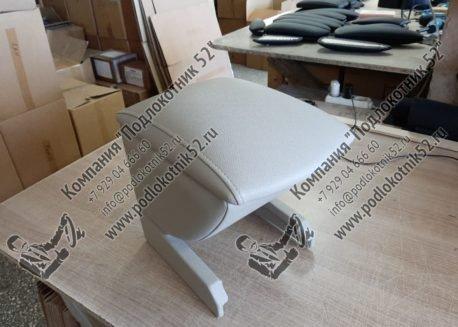 купить подлокотник для ford maverick 2 (вариант №2)