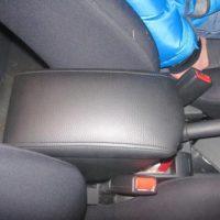 Отзыв на Накладка мягкая на стекло с карманом (подходит для всех марок авто), Подлокотник для Hyundai Getz (Вариант №3) - Подлокотник 52