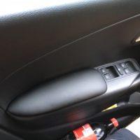 Отзыв на Накладка для VOLKSWAGEN POLO, Накладка мягкая для колена водителя (подходит для всех марок авто), Накладка мягкая на стекло (подходит для всех марок авто), Хромированные накладки на пороги для Volkswagen Polo - Подлокотник 52