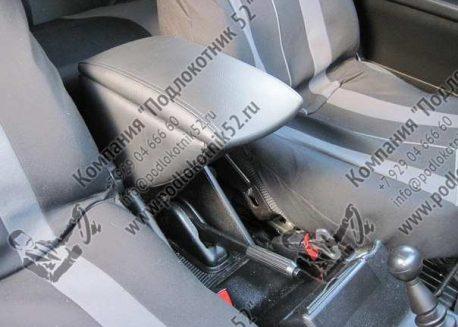 купить подлокотник для lada niva 2121 (вариант №1)