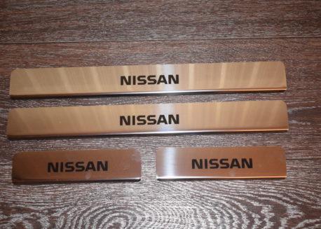 купить хромированные накладки на пороги nissan note