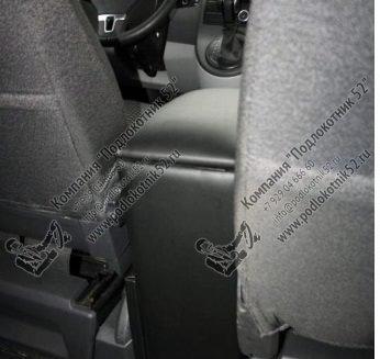 купить подлокотник для volkswagen transporter t6 для отдельных сидений 1+1